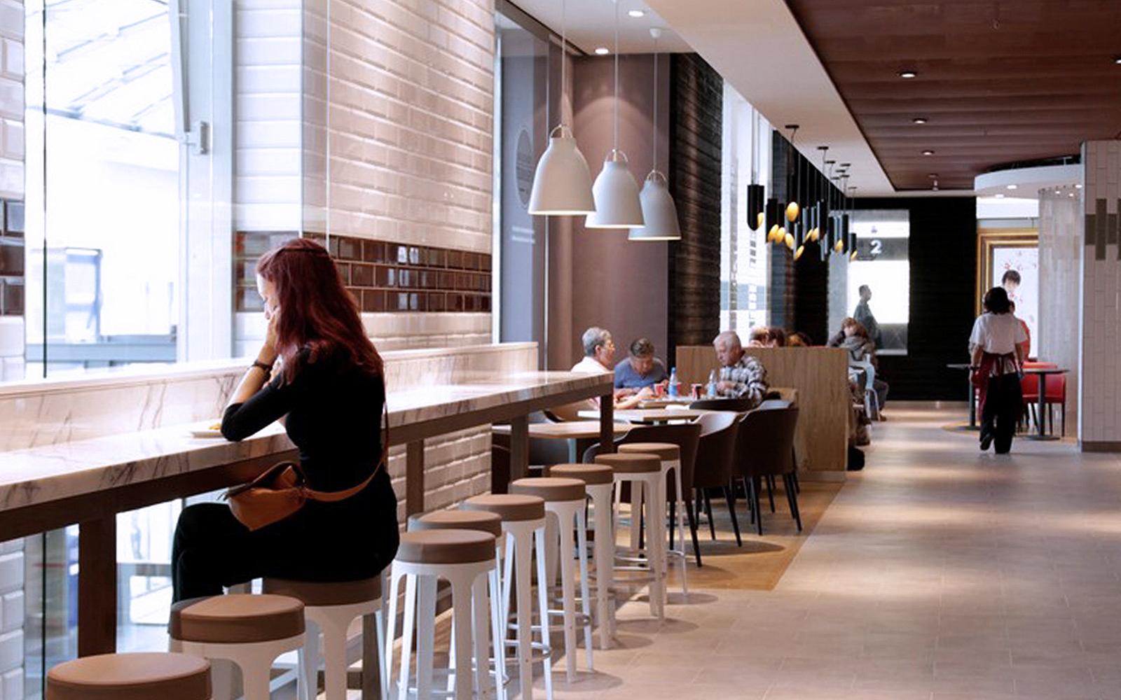 Foodcourt customer seating area